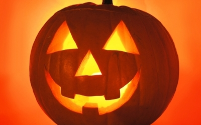 https://leblognutrition.files.wordpress.com/2010/10/halloween-citrouille-peur-bougies.jpg?w=400&h=250&crop=1