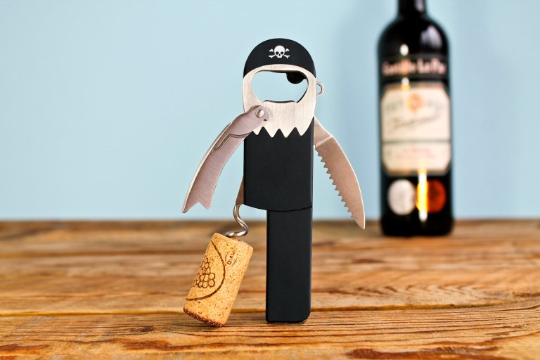 Tire-bouchon et ouvre-bouteille pour les pirates
