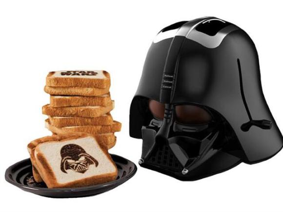 Le grille-pain Darth Vador de Star Wars ou préparer les tartines à Papa
