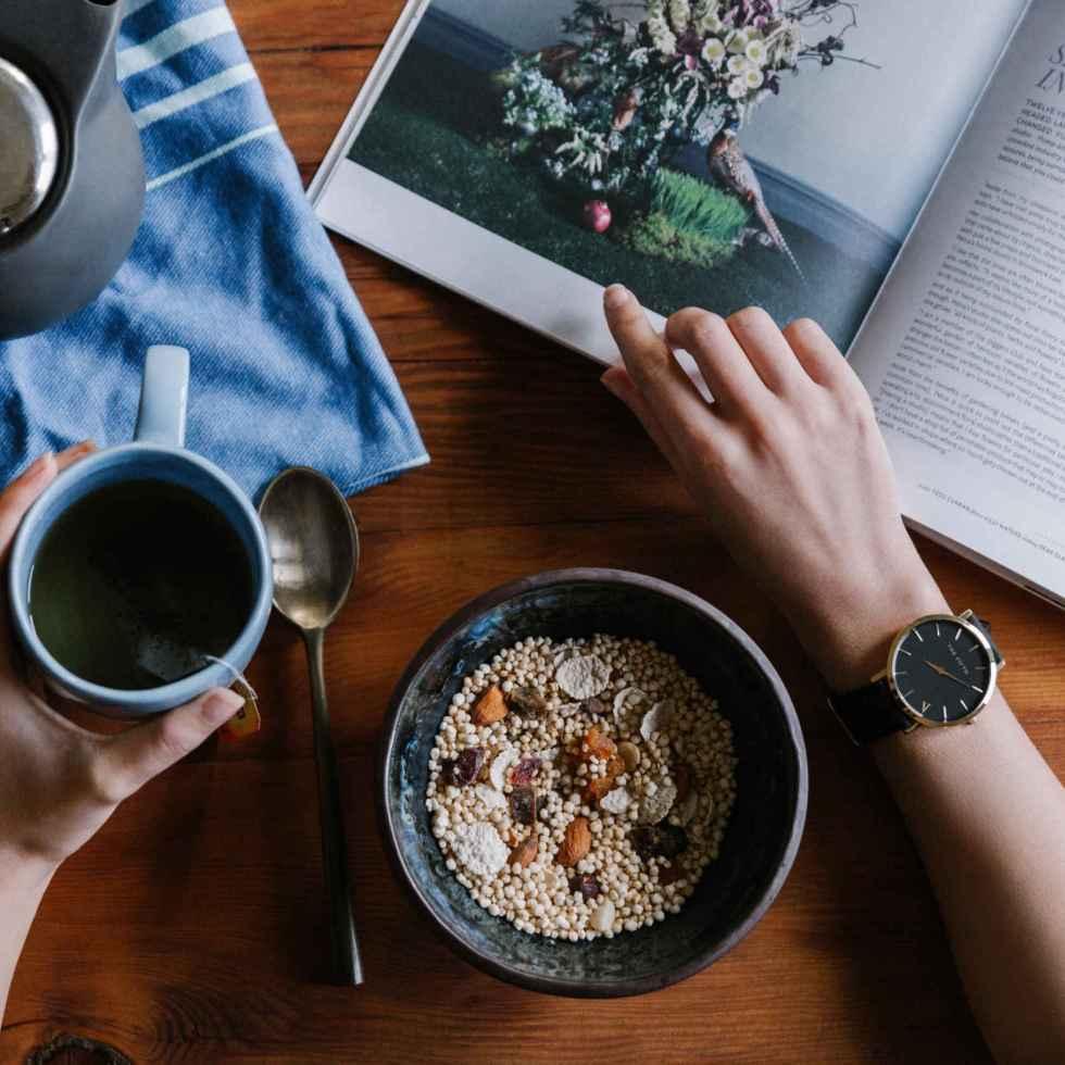 Manger tôt régule la faim
