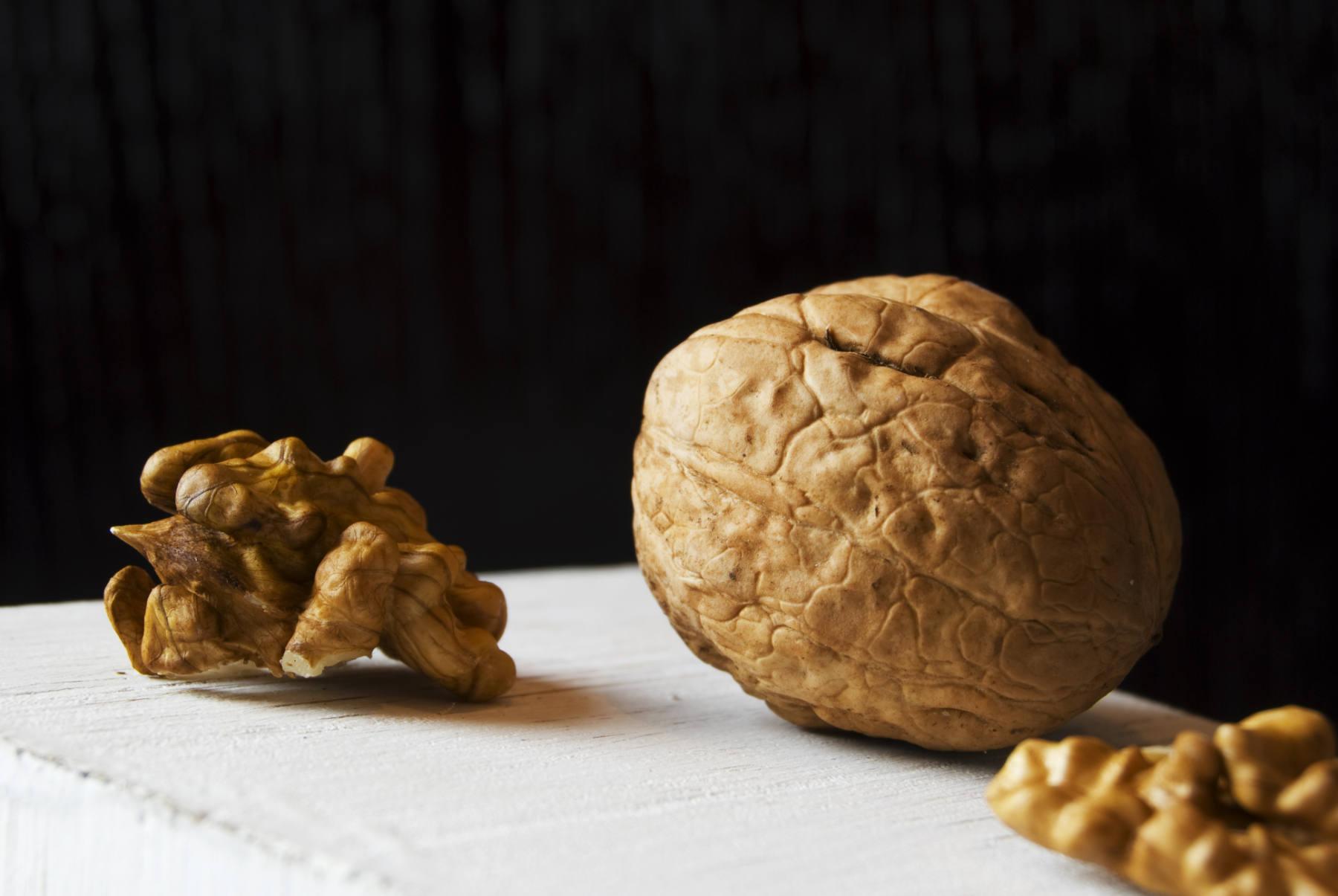Manger des noix régule la faim