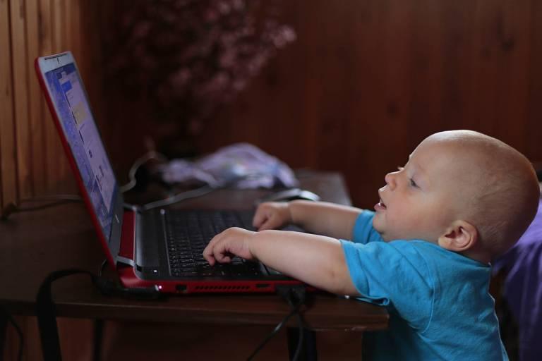 Les médias numériques et le sommeil dans l'enfance et l'adolescence