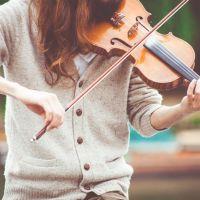 Écouter de la musique influence la dépression et en jouer peut protéger la santé du cerveau