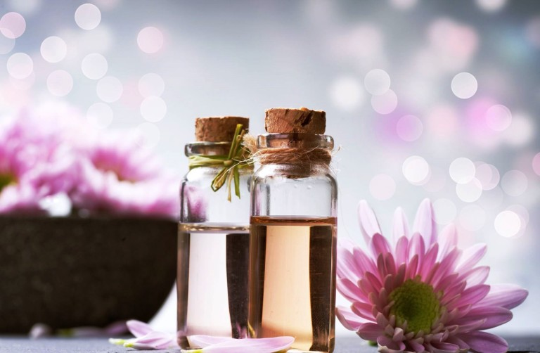 Les huiles essentielles bio pour les tout-petits