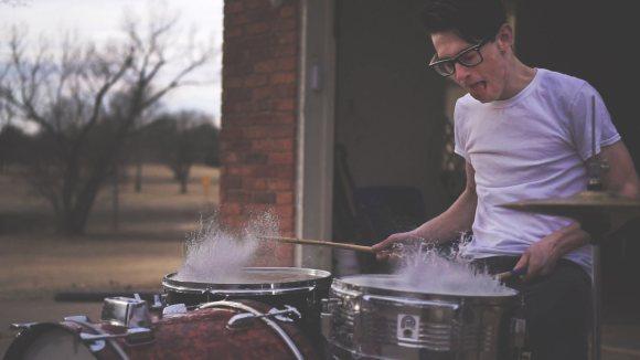 Pratiquer un instrument de musique conduit à des changements plastiques immédiats du cerveaux
