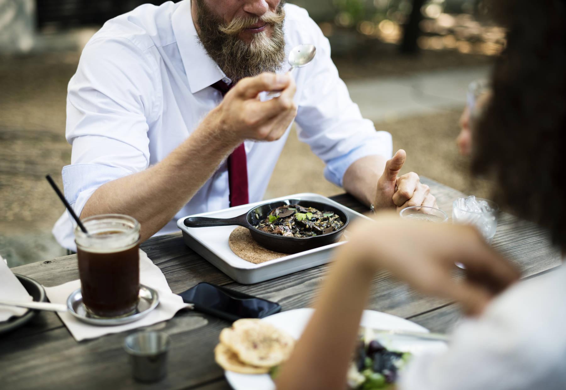 Boissons sucrées + repas riches en protéines = gain de poids et obésité