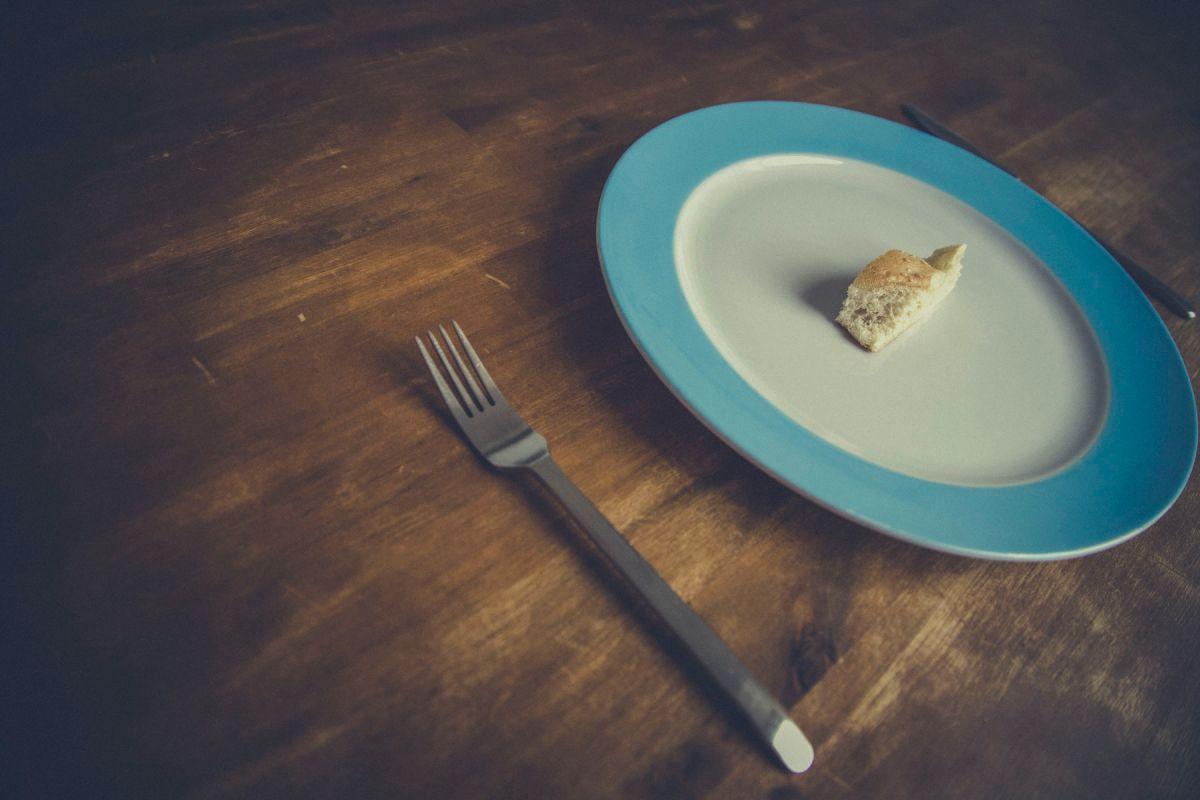 Pourquoi la restriction calorique prolonge-t-elle la durée de vie ?