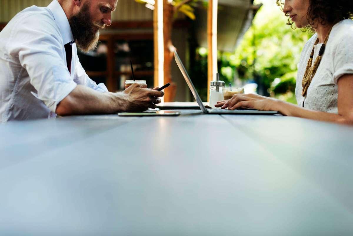 Comment manger mieux au travail dans un monde d'immédiateté ?