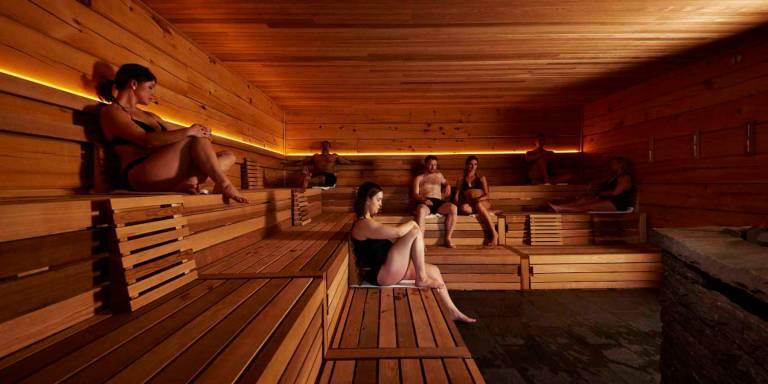 Le sauna est une activité de plaisir, de bien-être et de détente