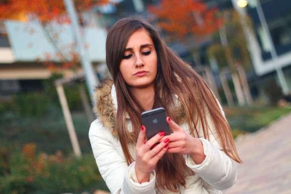 Smartphones et tablettes peuvent interférer avec le rythme circadien