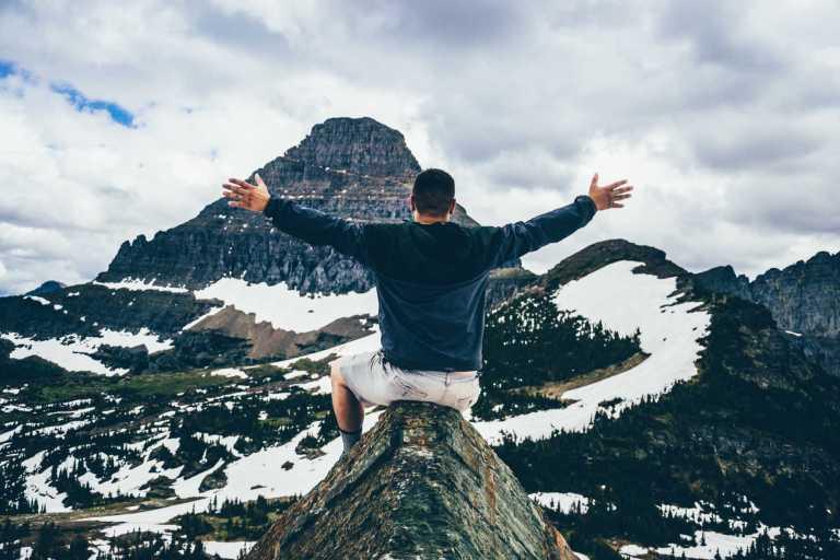 De nombreuses études montrent qu'exprimer et éprouver de la gratitude augmente la satisfaction de la vie, la vitalité