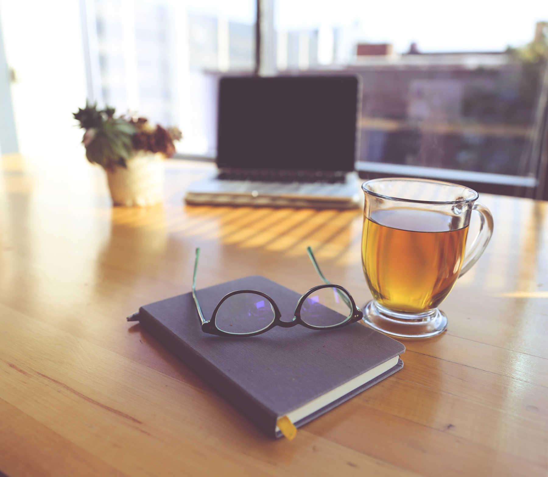 Boire du thé chaud tous les jours est lié à un risque plus faible de glaucome