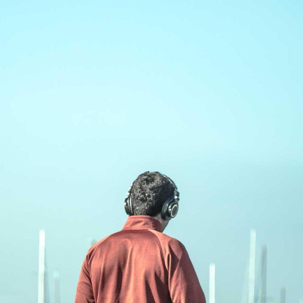 Comment notre cerveau auditif sélectionne-t-il les sons et sait quoi écouter ?