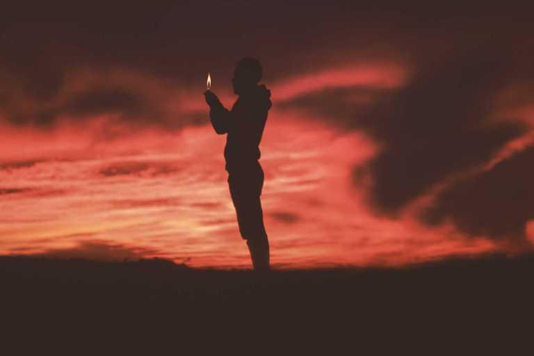 Penser à la mort à des effets étonnants sur la mémoire