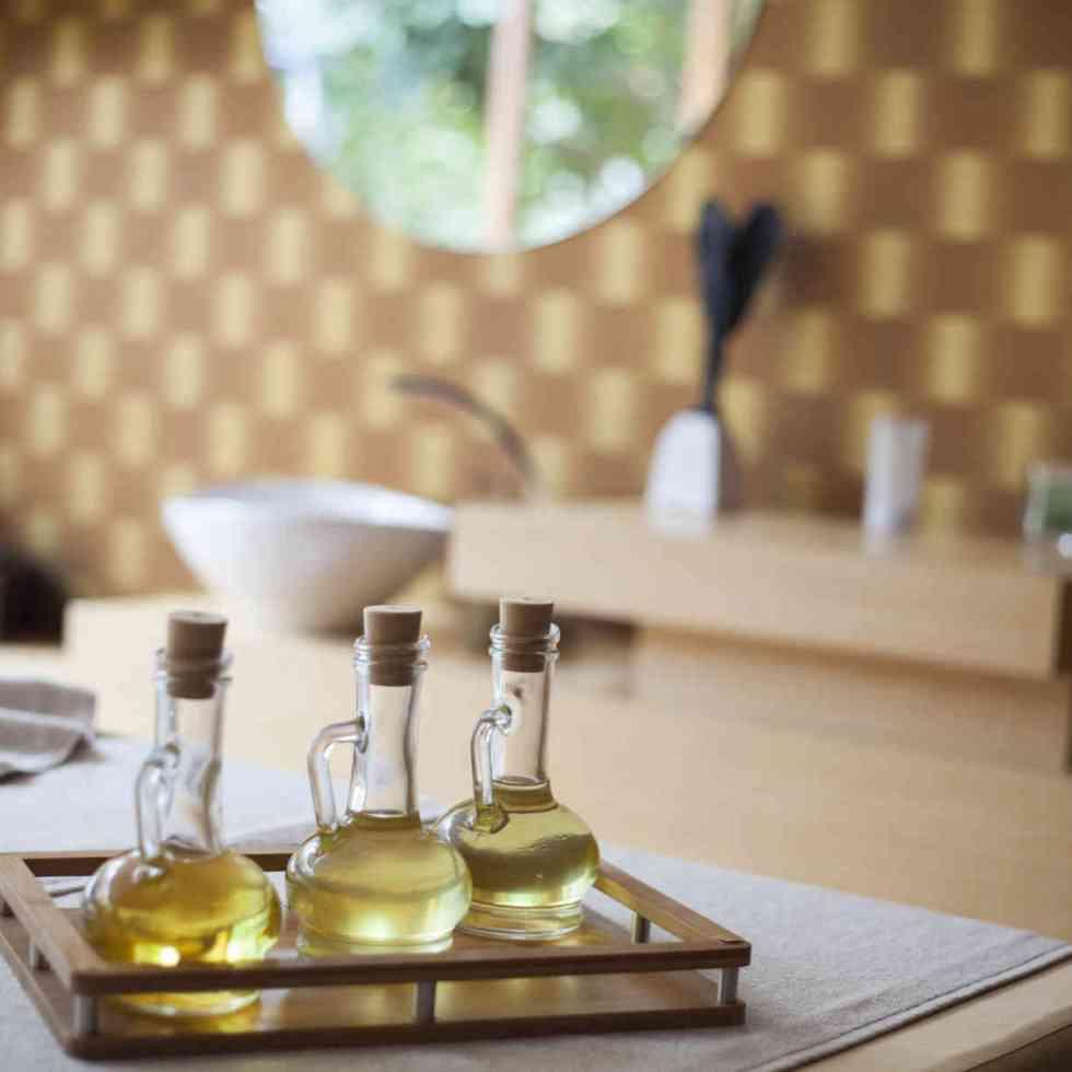 5. Nettoyant pour meubles en bois à l'huile essentielle de citron