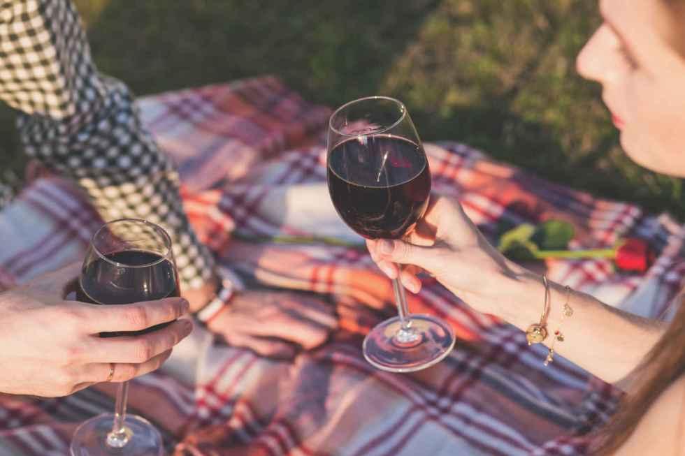 Les polyphénols du vin repoussent les bactéries qui causent des caries et des maladies des gencives