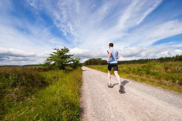 Comment l'entraînement physique favorise un esprit sain dans un corps sain