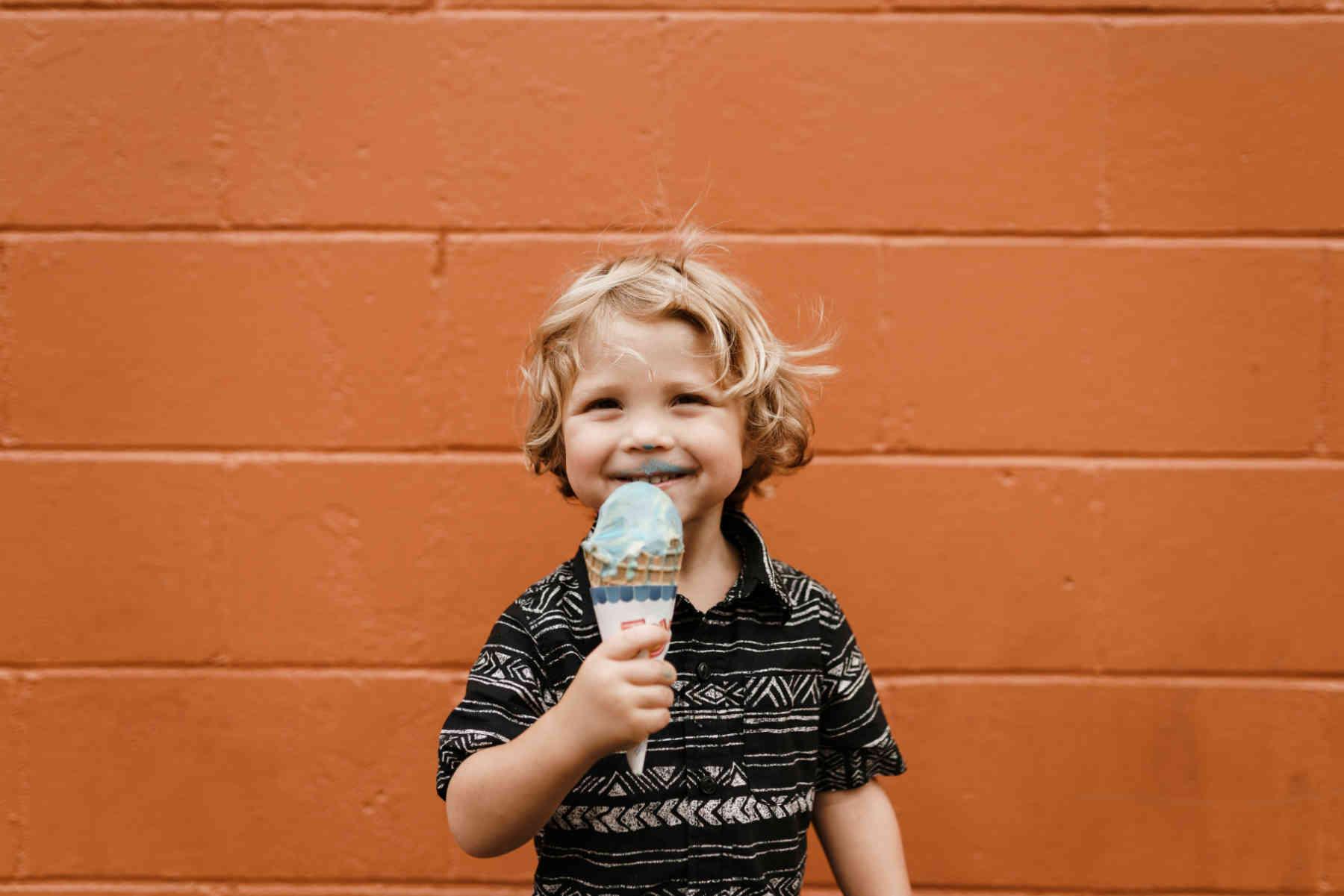 L'allergie alimentaire infantile est liée à un mélange de facteurs environnementaux et génétiques