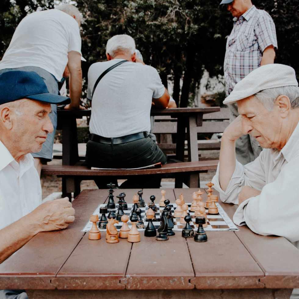 Pourquoi les gens deviennent plus enclins à la distraction avec l'âge ?