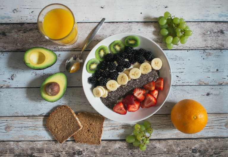 Lien entre consommation élevée de fruits et légumes et réduction du risque de cancer du sein