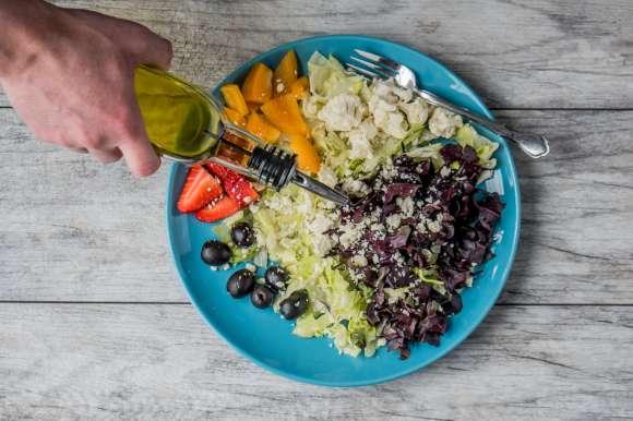 Choisir des aliments sains, adaptés à son budget ou à son goût, plutôt que la diversité