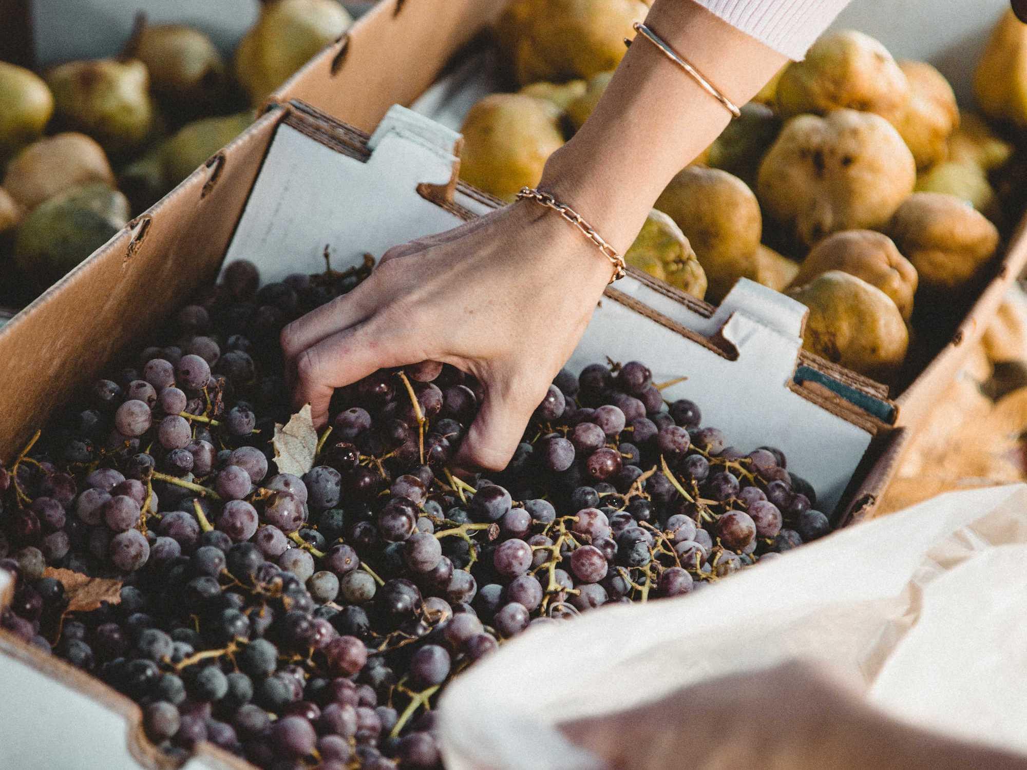 Rayon fruits et légumes : son emplacement peut aider les jeunes à mieux manger