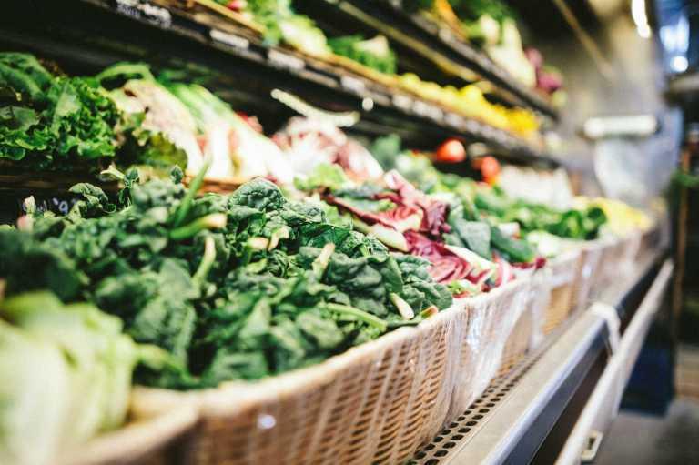L'importance de l'agencement des rayons fruits et légumes pour la santé