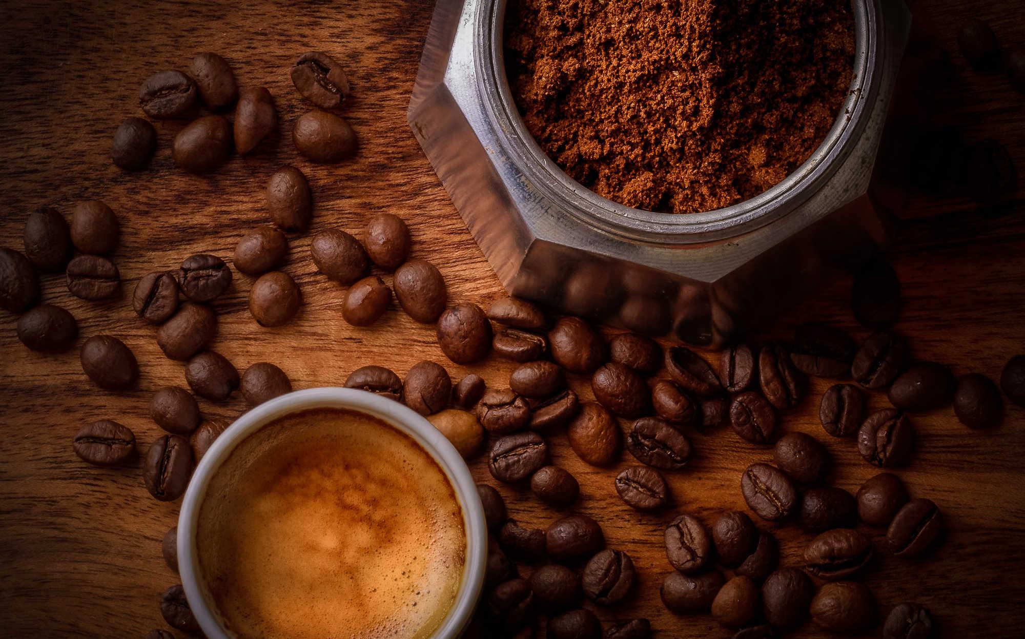 Pourquoi les personnes plus sensibles au goût amer de la caféine boivent plus de café ?