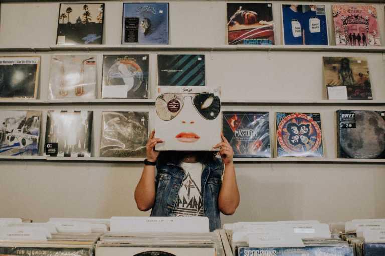 La musique : un soin de support dans le traitement des troubles émotionnels ou de démence