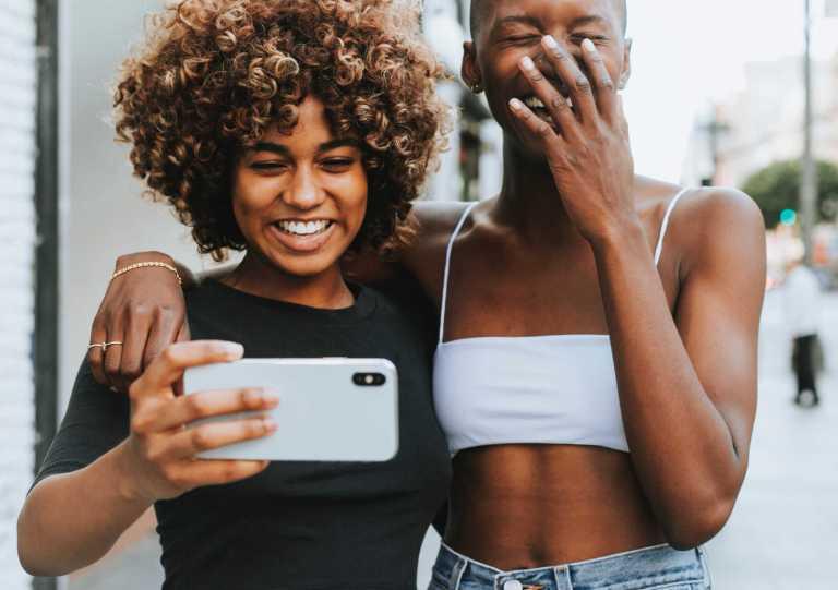 Usage et dépendance des réseaux sociaux
