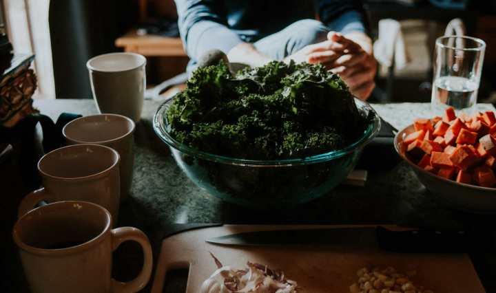 Régime alimentaire à faible empreinte carbone : bon pour la planète et sain pour l'humain