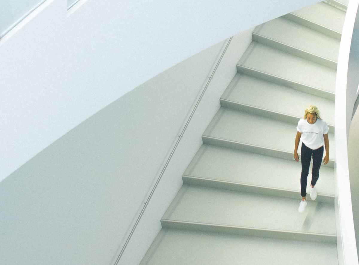 Pratiquer des petits sprints quotidiens dans des escaliers améliore la santé cardiovasculaire