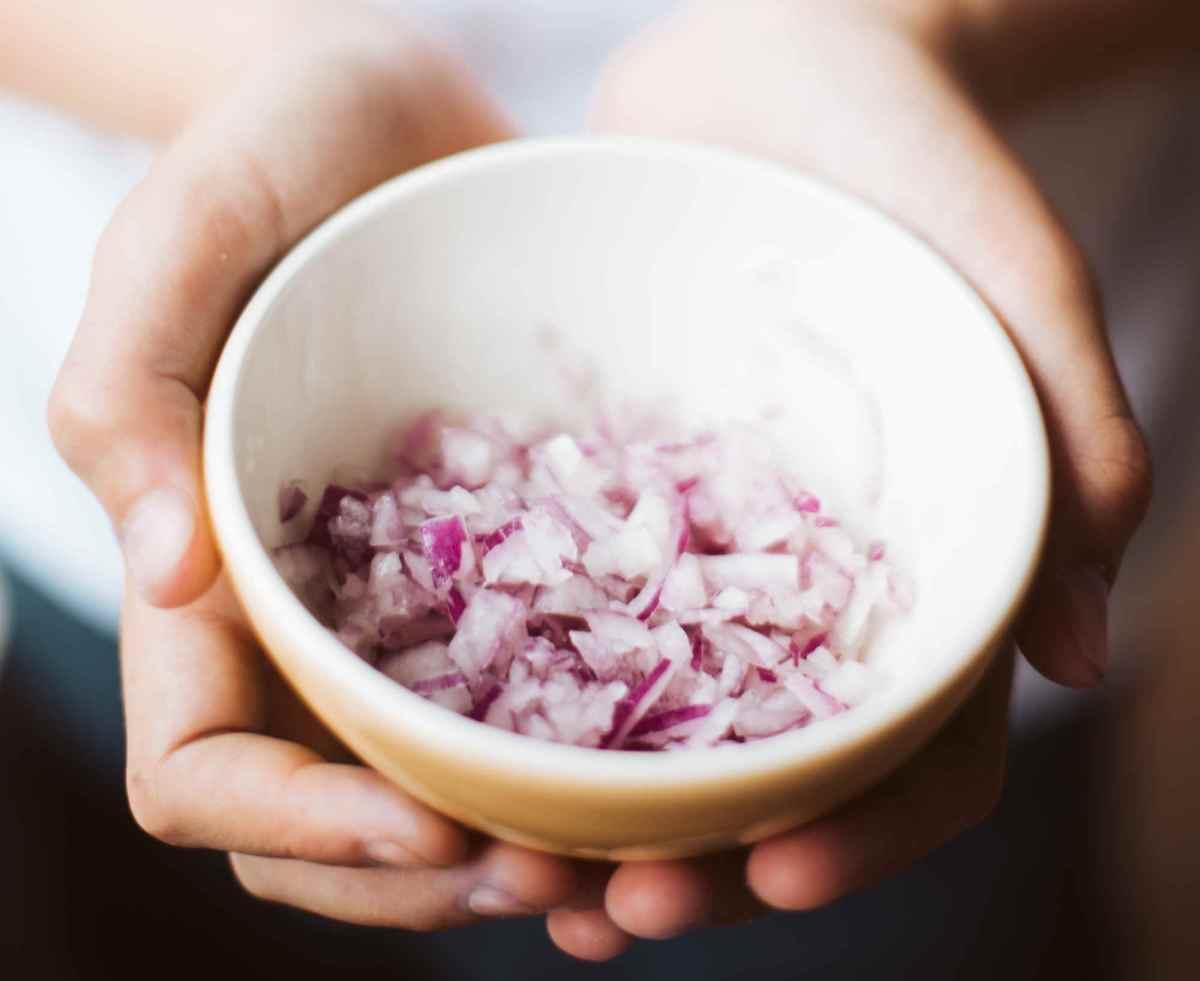 Ail, oignon, échalote, ciboulette et poireau réduisent le risque de cancer colorectal