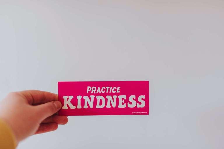 Pratiquer l'auto compassion et la gentillesse