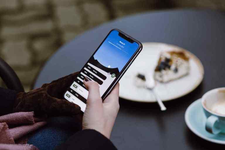 """La """"technoférance"""" : quand les nouvelles technologies créent des interférences sociales"""