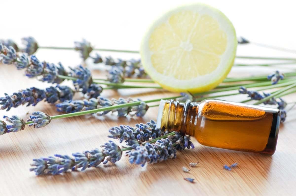 5 recettes de produits ménagers à base d'huiles essentielles bio