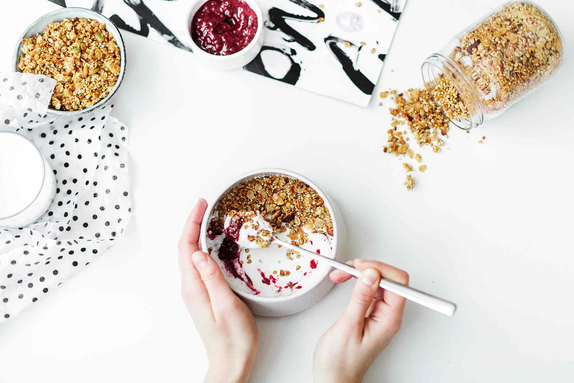 Le yogourt peut aider à réduire le risque de croissance précancéreuse de l'intestin