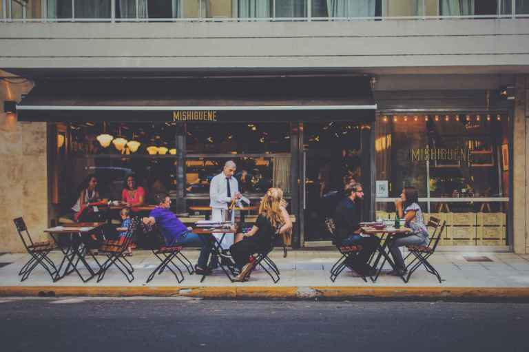 4. Réduisez vos repas en extérieur