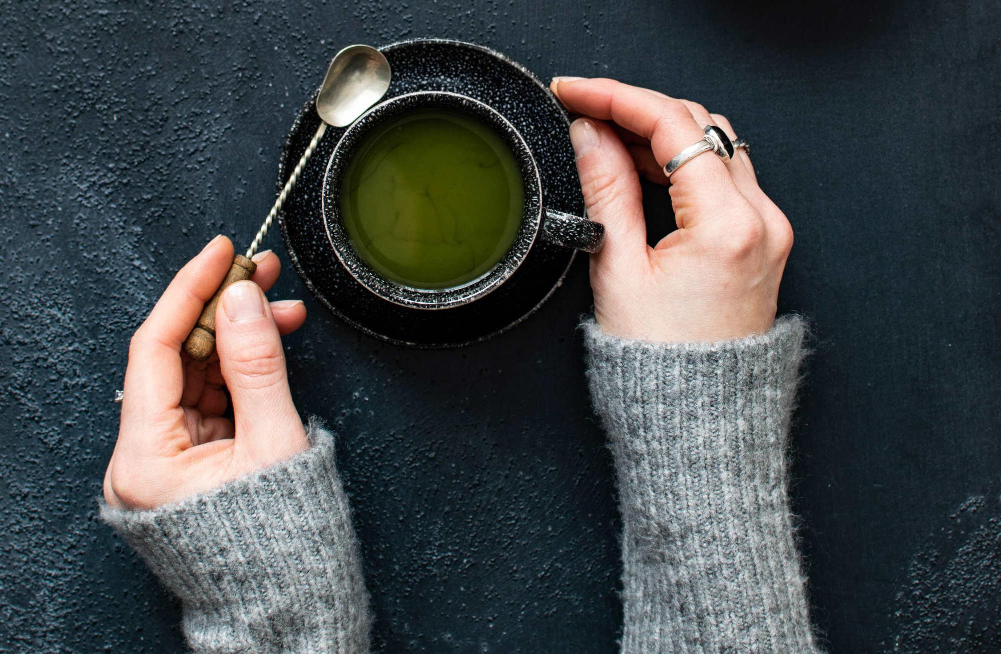 Le thé vert aide à réduire la résistance aux antibiotiques