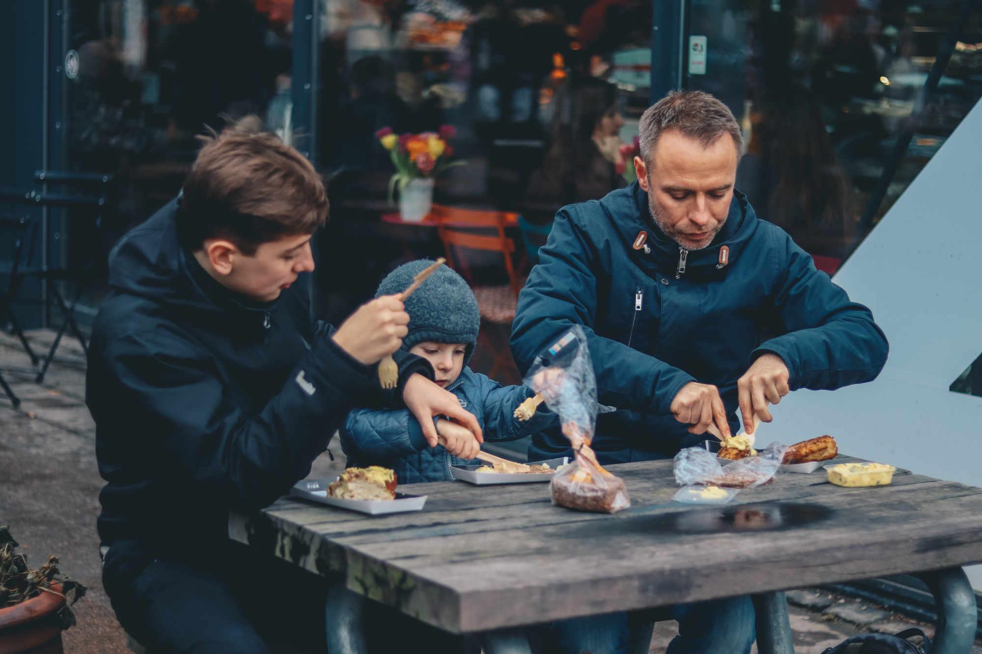 Renforcement des liens sociaux et mimétisme