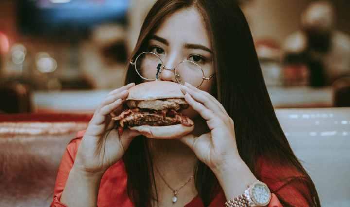 Les méfaits du repas du soir sur la santé cardiaque des femmes