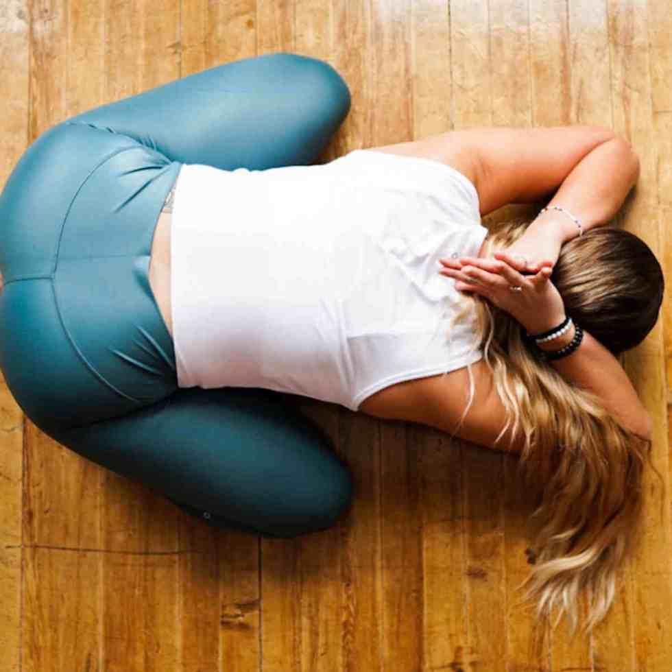 Yoga et physiothérapie améliorent la qualité du sommeil