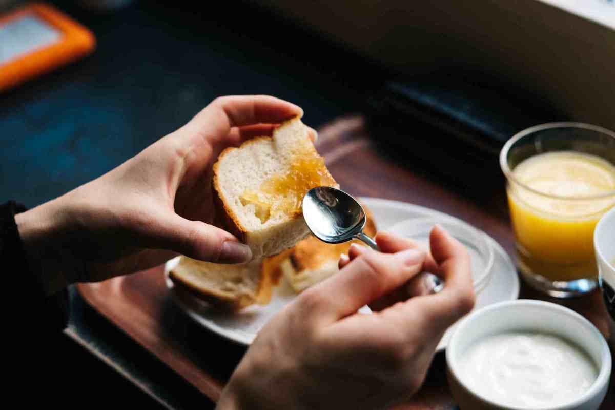 Un petit-déjeuner riche en glucides améliore le contrôle glycémique