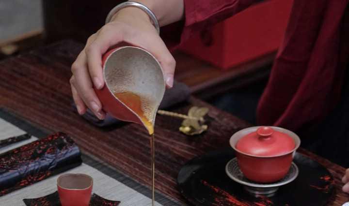 Pourquoi boire du thé vert augmente notre longévité ?